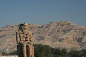 THEBES-8923-small.JPG