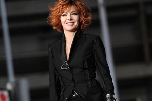Mylene farmer-photo-credits-abaca