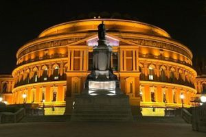 1490482-royal-albert-hall-de-nuit.jpg