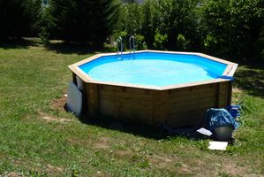 Montage piscine hors sol les perrin for Piscine hors sol hexagonale
