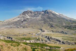 WASHINGTON Mount-Saint-Helens-from-Johnston-Ridge-State-of-