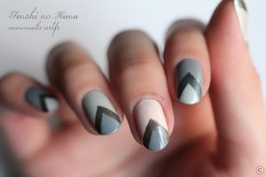 The New Black Heathered nail art 4