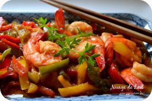 Crevettes piquantes aux poivrons à l'asiatique