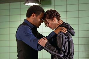 hunger-games-cinna-katniss1.jpeg