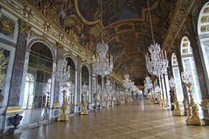 chateau-de-versailles-galerie-des-glaces-630420_scalewidth_.jpg
