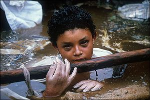 Omayra-Sanchez-13-year-old-victim-of-the-eruption-of-the-Ne.jpg