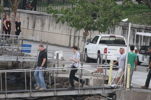 robert pattinson arriving on set for marina sequence 2