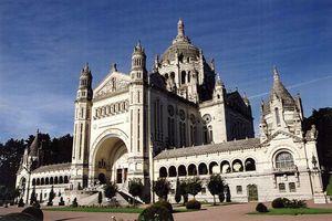 Lisieux - la Basilique 2