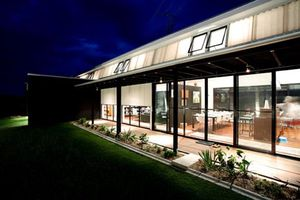 Ballandean-House-Design-Glass-Wall
