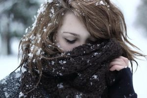 Fille froid neige