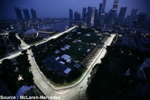 McLaren - Singapour by night