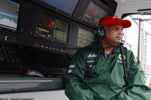 Team-Lotus---Tony-Fernandes.jpg
