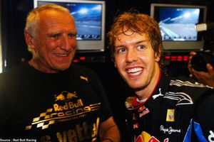 Red-Bull---Dietrich-Mateschitz--Sebastian-Vettel.jpg