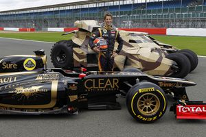 Lotus---Romain-Grosjean--The-Dark-Knight-Rises.jpg