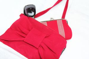 17-Collection-septembre-2012 pochette noeud
