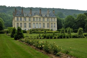 Yville chateau & roseraie