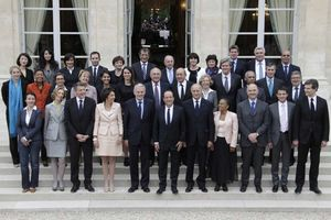 hpoto-gouvernement-ayrault-1-REUTERS-930620_scalewidth_961.jpg