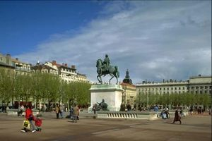 Place-Bellecour_jpg.jpg