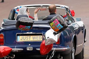 Royal-Wedding-Cars-Aston-Martin-DB5-William-Kate-02.jpg