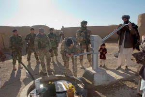 afghanistan-reggimento-s.marco-inaugura-pozzi-d-ac-copia-1.jpg