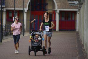 Wapping MiniMarathon. A Londra, attorno allo Shadwell Basin una piccola manifestazione di running non competitivo per scopi caritatevoli