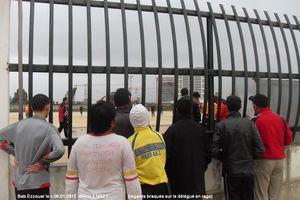 AREH NRZ regards braqués vers délégué en rage