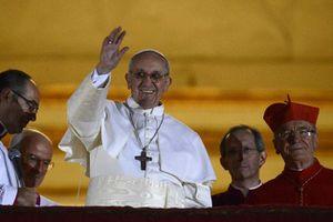 Jorge-Mario-Bergoglio-devient-le-pape-francois-premier.jpg
