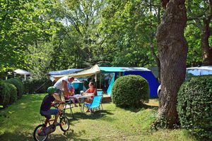 emplacement-au-camping-col-d-ibardin-pays-basque.jpg