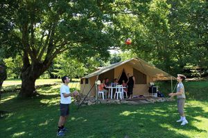 location-tente-lodge-camping-col-d-ibardin-pays-basque.jpg