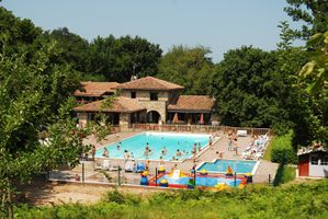 vue-generale-camping-col-d-ibardin-pays-basque.JPG