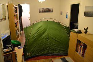 1 - La tente dans le salon