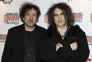 tim-burton-robert-smith-2009-2-25-17-35-22.jpg