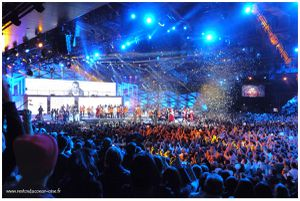 Les Enfoires 2012 Final benevoles et techniciens 1