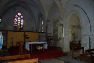 Eglise-120-int-choeurchapel