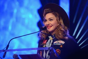 20130317-pictures-madonna-glaad-media-awards-p-17.jpg