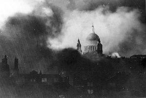 Londra-bombardata.jpg