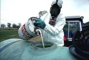 pesticides-applicateur.jpg
