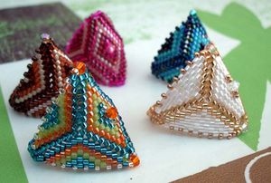 BAGUES-TRIANGLES2.jpg