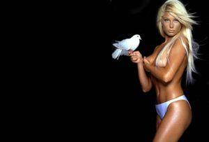 blonde-oiseau.jpg