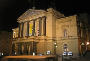 OPERA PRAGUE NUIT