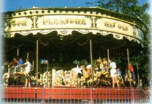 photo du carrousel à Meli Park Adinkerke (plan du parc 1998)