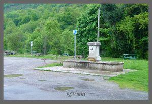 Jetelle-Campan-001-border.jpg