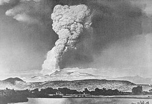May 1915 Lassen eruption column