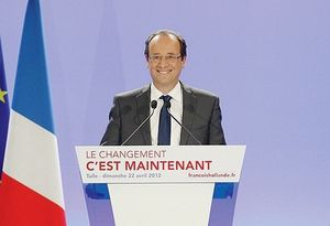 Francois-Hollande-propulse-en-tete_article_main.jpg