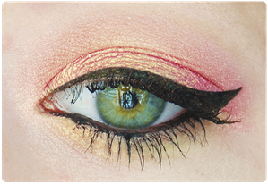 Maquillage-fard-paupieres-monobulle-duochrome-Agnes-b-ros.png