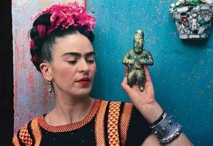 frida-kahlo-hair-style-L-1
