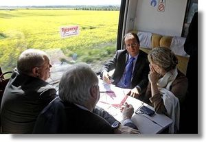 Hollande-en-TGV.jpg