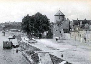 2-Nevers-Tour-Goguin-1910.jpg