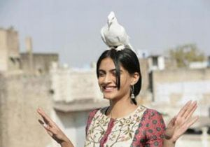 sonam-delhi-6---Blog-Bollywood---Bollywoodme.jpg