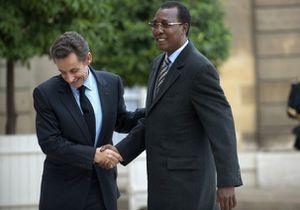 15-Sarkozy-et-Idriss-Deby--Tchad-.jpg